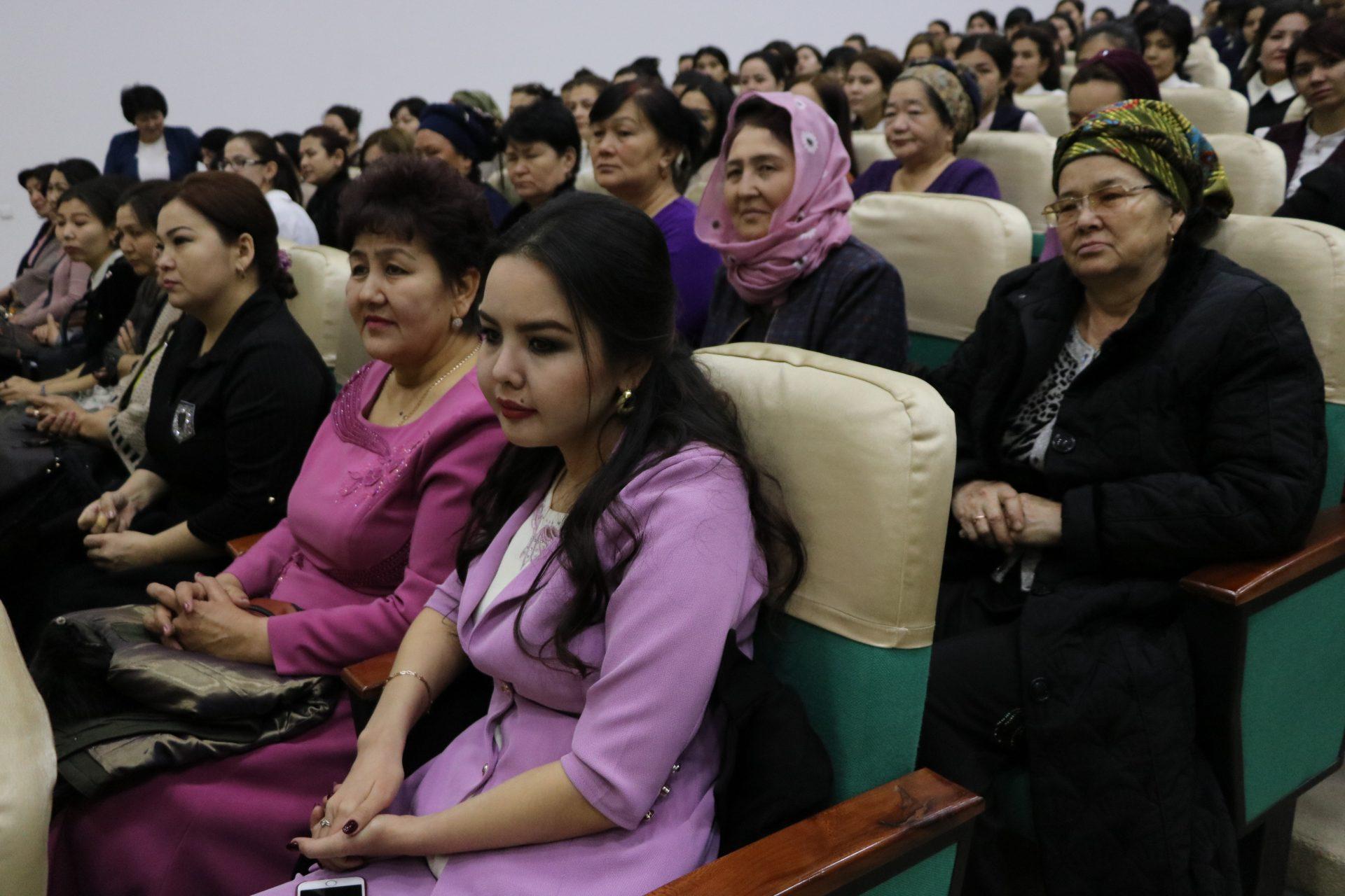 4-марта во дворце культуры состоялось  праздничное мероприятие посвященное празднику 8 марта.